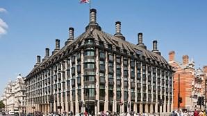 Parlamento inglês evacuado