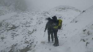 Melhoria do tempo vai ajudar no resgate de montanhista
