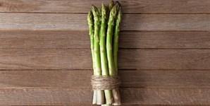Os espargos contêm vitamina E, que ajuda o corpo a produzir hormonas como o estrogénio, a testosterona e a progesterona