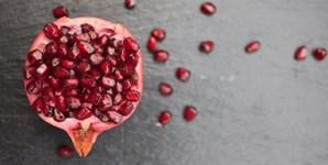 A romã é muito rica em antioxidantes, ingredientes chave na proteção do sistema circulatório. Permitindo que mais sangue circule nas artérias, a romã traz um extra: aumenta a sensibilidade genital