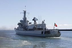 Militares da Marinha Portuguesa estiveram a 'fazer a triagem' das 196 pessoas resgatadas