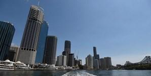 Vista da cidade de Brisbane, a partir de um ferry, na Austrália