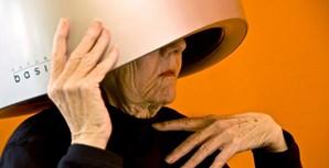 Além do projeto fotográfico 'Beauty and Wisdom', Robbie Kaye conseguiu encontrar inspiração nas idosas para lançar um livro