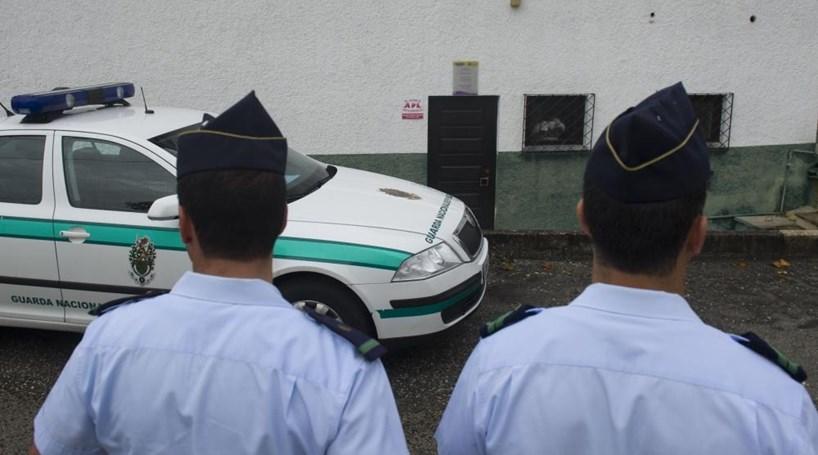 GNR detém agressor e apreende arsenal - Portugal - Correio da Manhã 68c35be7044