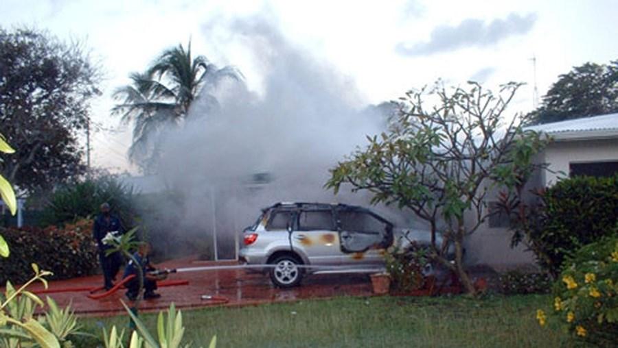 Frederic Bise foi morto à pancada em fevereiro de 2008, nas Ilhas Caimão. O cadáver foi colocado pelos dois autores do crime na bagageira do jipe do banqueiro suíço, que foi depois incendiado