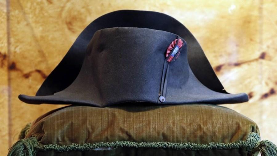 O valor do chapéu de Napoleão estava estimando entre 300 a 400 mil euros