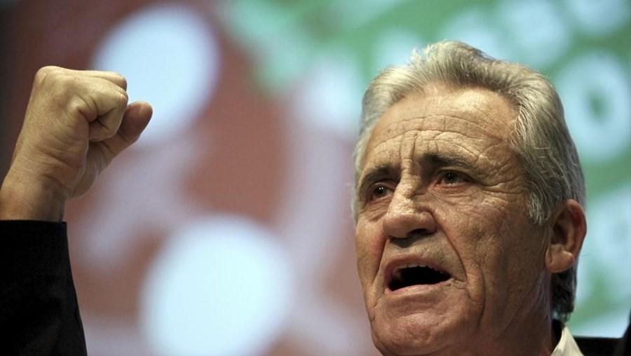 Líder do PCP discursou no encerramento da 8.ª Assembleia da Organização Regional de Beja, em Castro Verde