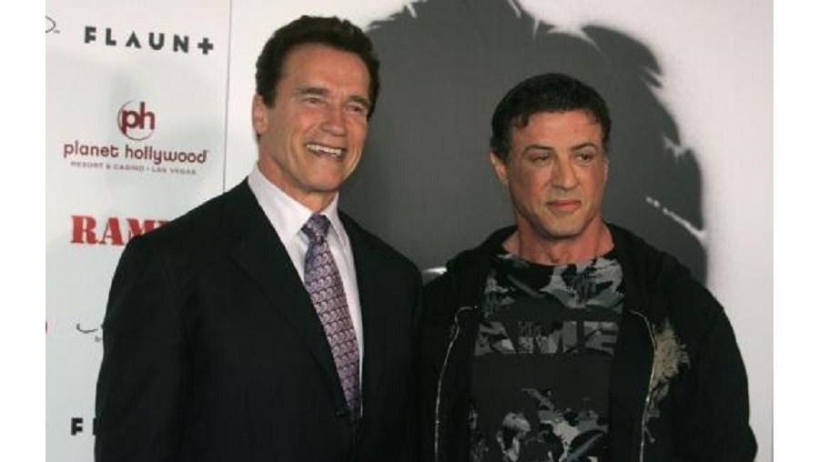 """Sylvester Stallone e Arnold Schwarzenegger estiveram em Macau no verão para promover a estreia na Ásia do """"The Expendables 3"""""""
