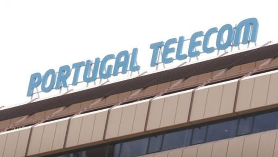 A Portugal Telecom (PT) encerrou as instalações até se saberem as causas