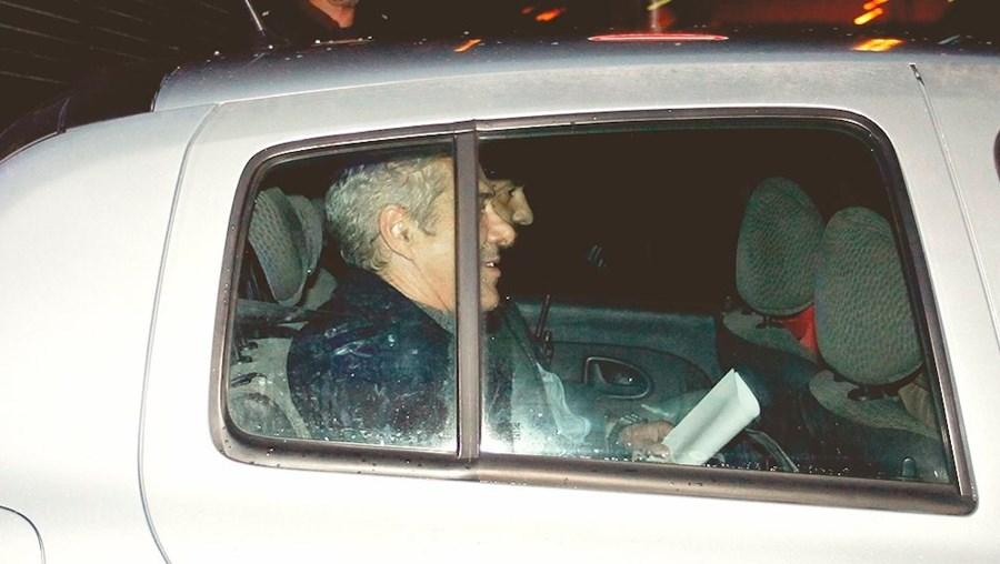 José Sócrates passou a tarde no tribunal. Saiu às 21h43 para pernoitar nas instalações do Comando da PSP de Lisboa