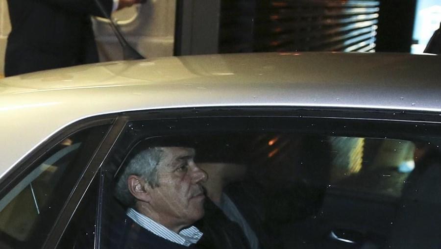 Pedido de libertação urgente de Sócrates terá sido feito à revelia do ex-líder socialista