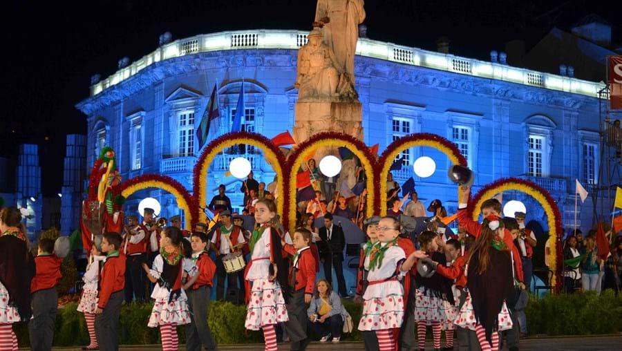 A canção vencedora será interpretada no âmbito das Marchas Populares de 2015