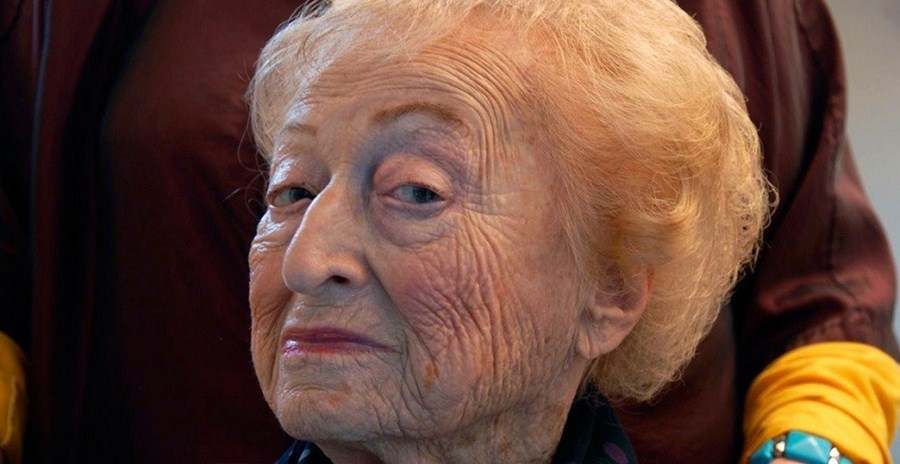 Uma das idosas fotografadas pela fotógrafa norte-americana para o seu projeto 'Beauty and Wisdom' ('Beleza e Sabedoria', em português)