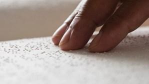 Mil milhões de pessoas com deficiência visual por não terem acesso a tratamento