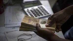 Angolano apanhado com mais de 66 mil euros em Luanda perde dinheiro e é condenado a multa
