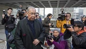 Antigo membro do governo de Hong Kong condenado