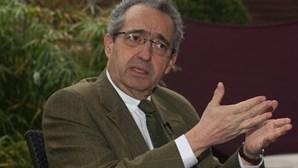 """CDS-PP considera """"chocante"""" críticas da Comissão Europeia"""