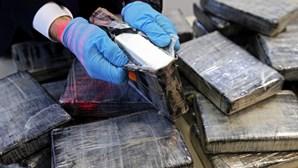 Polícia peruana detém grupo com 88 quilos de cocaína