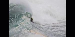 O surfista em ação