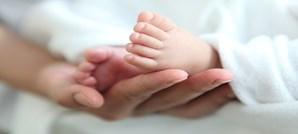 bebé, pés