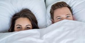 3. São várias as mulheres que não têm orgasmos através da penetração: para a maioria das mulheres o estímulo do clitóris é bem mais eficaz quando pretendem ter orgasmos