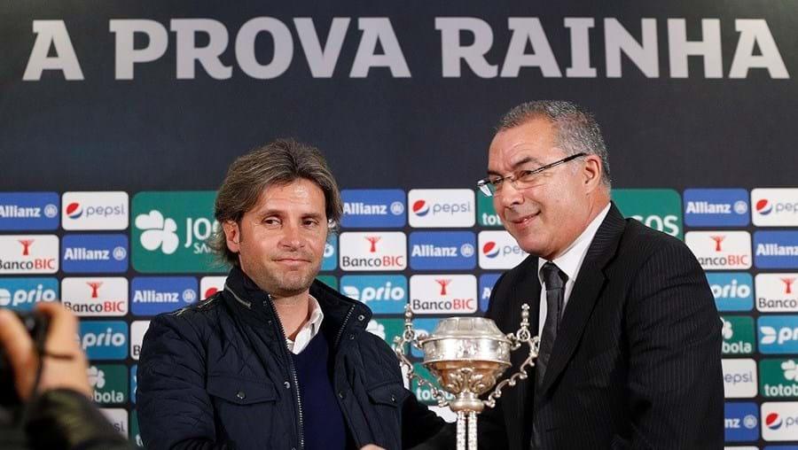 Rui Borges, representante do Famalicão, com Augusto Inácio, do Sporting (à dir.)