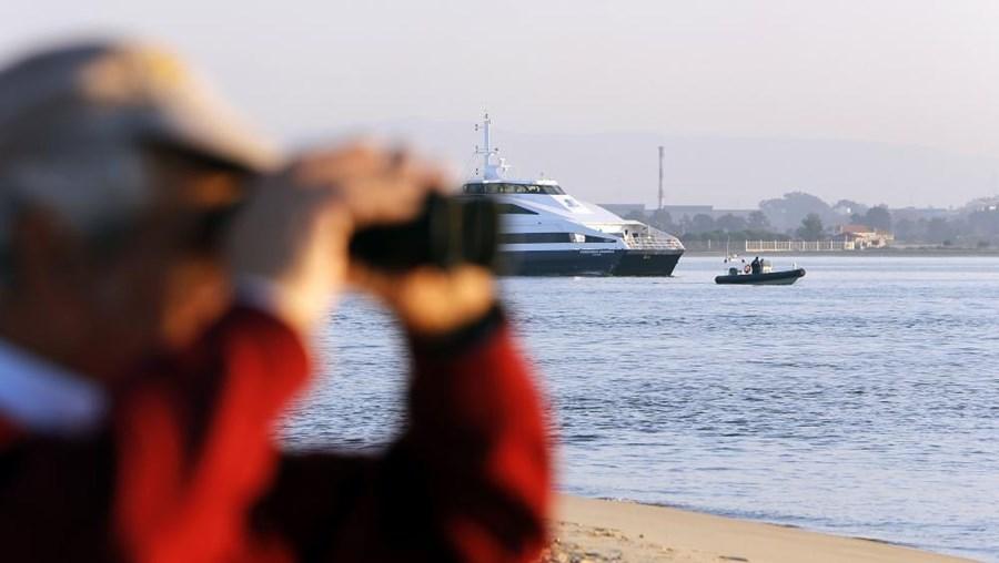 Nas buscas estiveram meios e elementos da Polícia Marítima e um helicóptero da Força Aérea