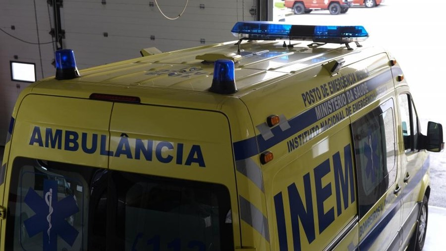 Ambulância de socorro do INEM