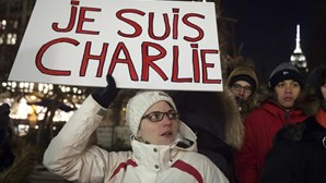 """Jornais franceses de luto pela """"liberdade assassinada"""""""