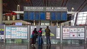 Irmãos americanos voltam a casa após três anos presos na China