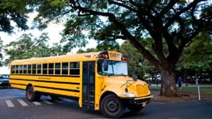 Rapaz de cinco anos conduz autocarro