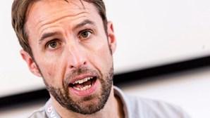 """Selecionador inglês diz que derrota no Euro 2020 dói mais por ser """"tão próxima"""" da vitória"""