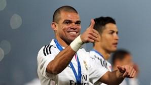 Pepe submetido a exames médicos após lesão