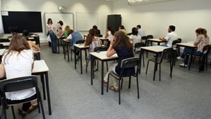 Externato Ribadouro no Porto contesta em tribunal suspensão devido a inflação de notas