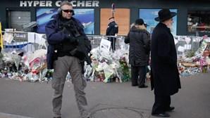Paris reforça luta contra terrorismo