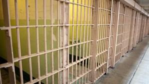 Descuido de estagiário obriga prisão a mudar fechaduras de mais de 600 celas