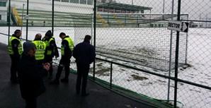 O nevão que ontem se abateu sobre a Covilhã obrigou ao adiamento do jogo entre o Sporting local e o Santa Clara, a contar para a 23ª jornada da II Liga