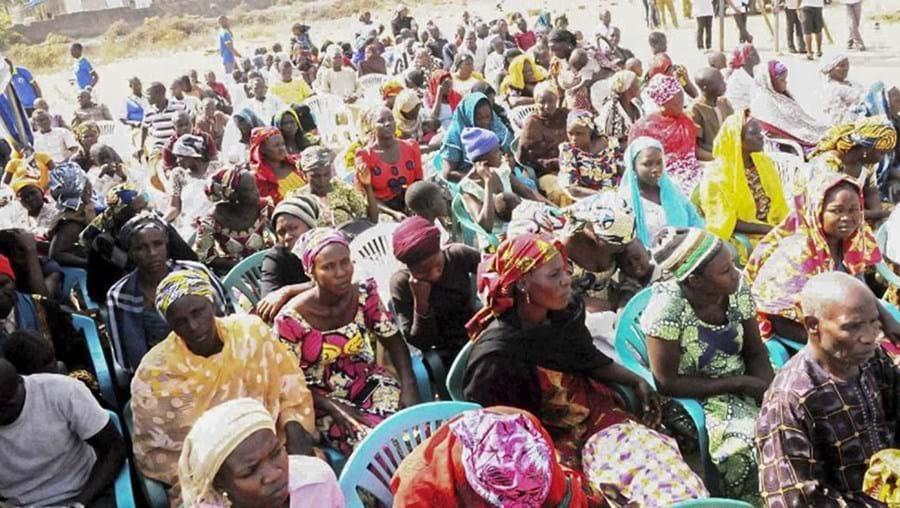 Nigerianos deslocados devido à violência do grupo terrorista