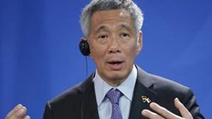 Investigada ameaça de morte a PM de Singapura