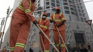 Extinto incêndio em arranha-céus no Dubai