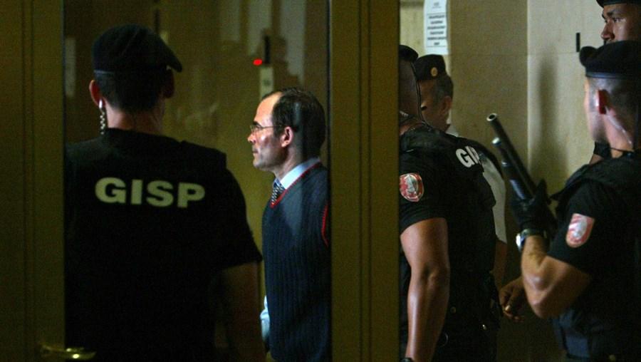 Cabo Costa respondeu em tribunal em 2007 pela morte de três jovens mulheres