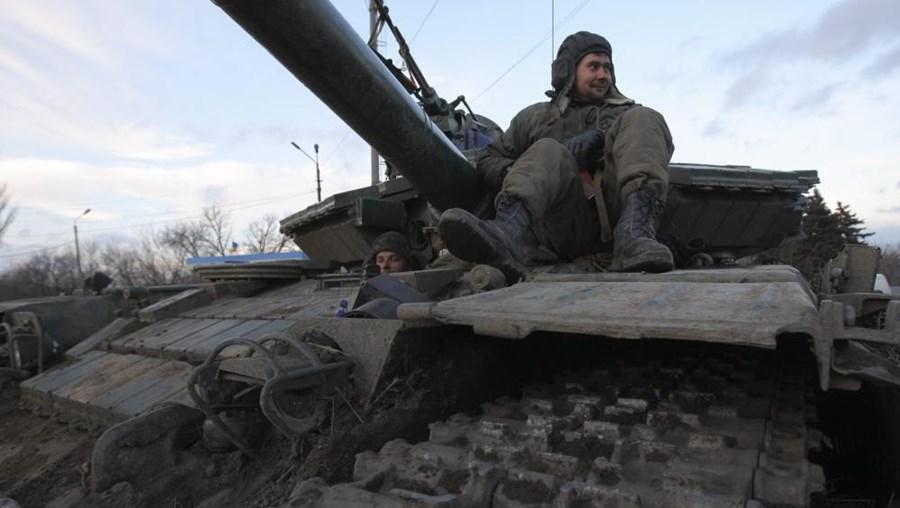 Um soldado ucraniano em Donetsk