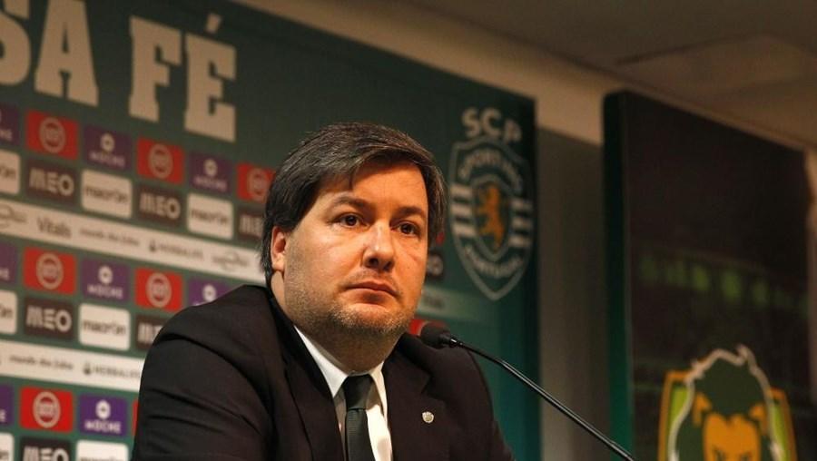 Bruno de Carvalho condena falta de reação oficial por parte dos dirigentes do Benfica