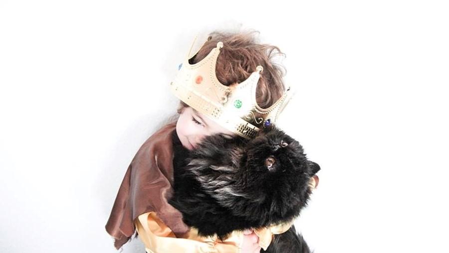 O filho de Madalena Brandão fantasiou-se de príncipe