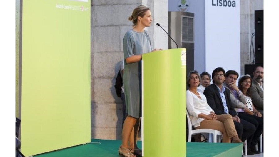 Beatriz Batarda entra em 'Yvone Kane'
