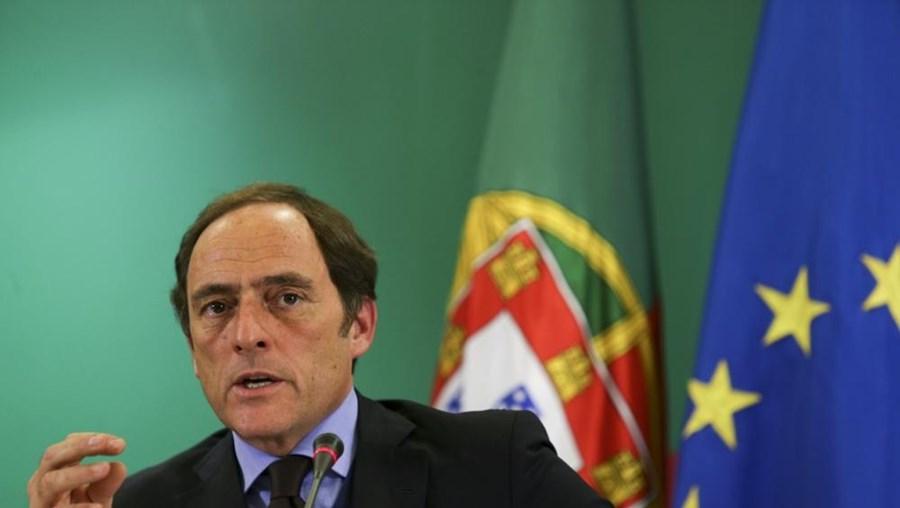 """Vice-primeiro-ministro emite alterações à atribuição de vistos """"gold"""" a estrangeiros"""