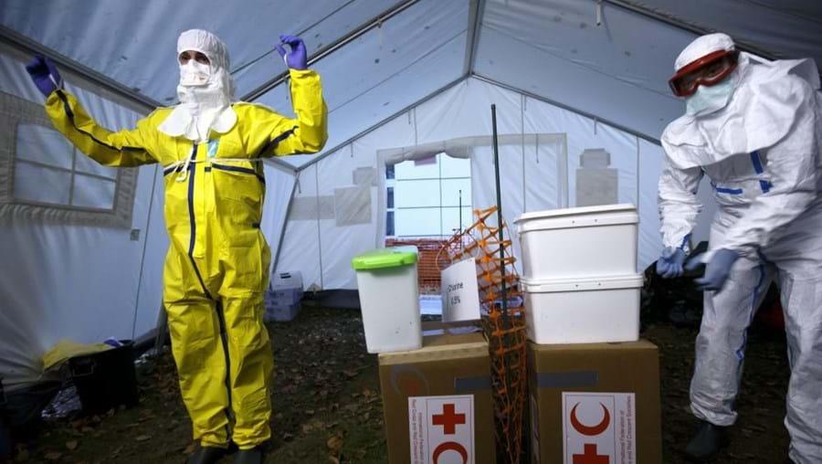 Profissionais de saúde protegidos contra o Ébola