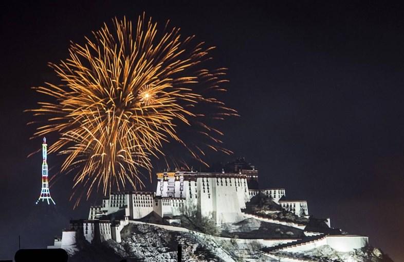 Celebração do ano novo tibetano em Lhasa