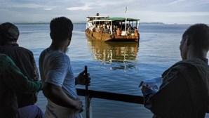 Pelo menos 33 mortos em naufrágio de 'ferry'