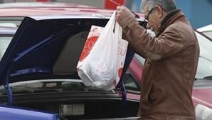 Fabricantes de sacos plásticos admitem reduzir pessoal